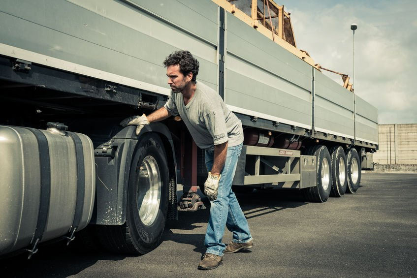 A personal injury attorney helps when a truck accident has occurred.